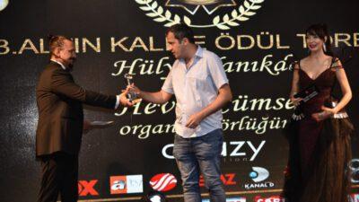 Sedat Sarıkaya'ya bir ödül daha!